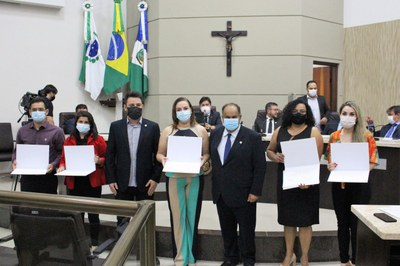 Vereadores prestam homenagem a profissionais do Erasto Gaertner por atendimentos de covid-19 em Guarapuava